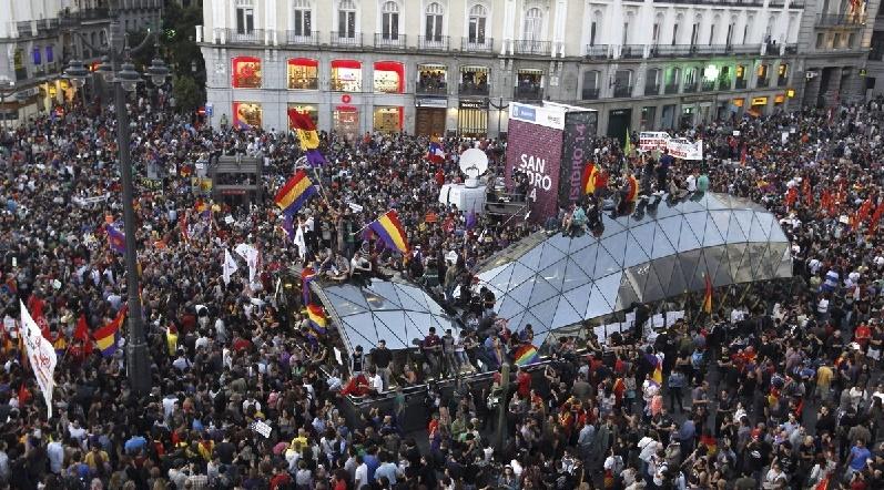 Concentración por la República en la Puerta del Sol tras la abdicación de Juan Carlos en la primavera del 2014. EFE