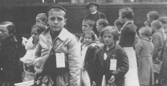 """Fotografía de """"niños de la guerra"""" españoles que partieron hacia Rusia"""