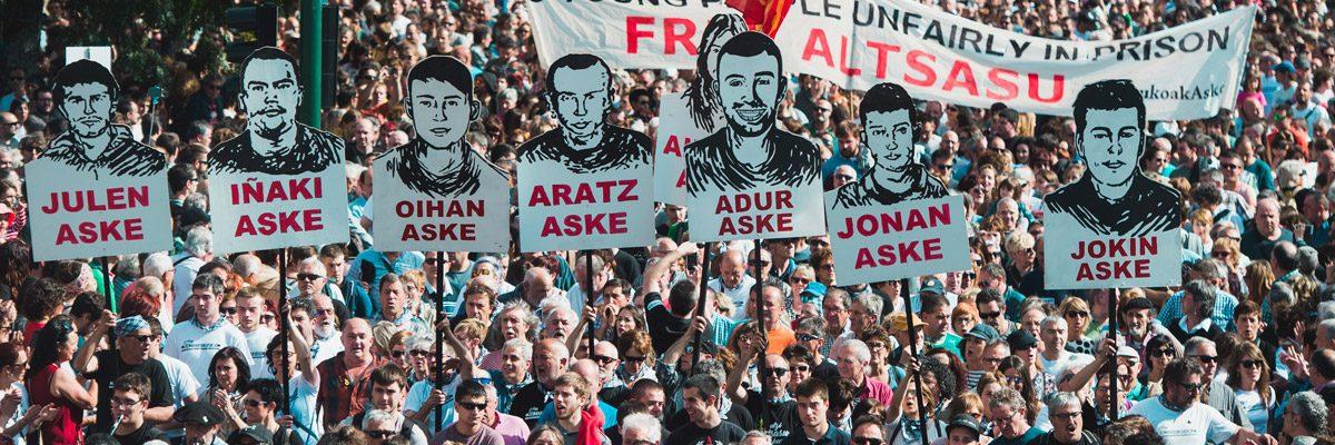 Manifestación en Pamplona pidiendo la libertad de los presos de Altsasu.- AFP