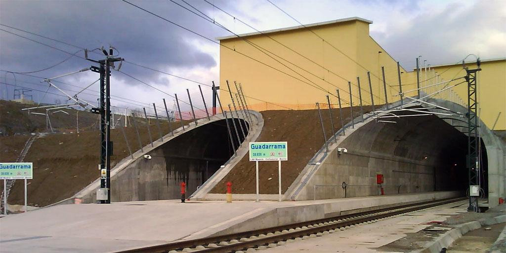 Entrada al túnel ferroviario de Guadarrama