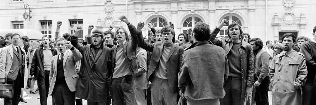 3 de mayo de 1968. Estudiantes se manifiestan en La Sorbona. AFP