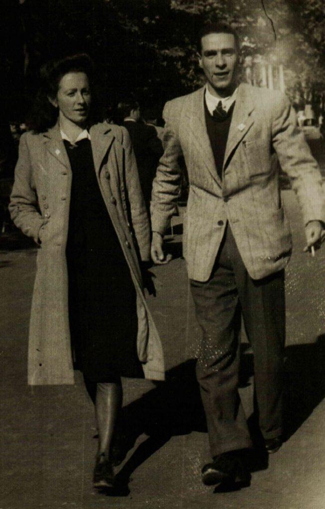 Rosario González y Luis Montiel en Donostia (1946).- ARCHIVO FAMILIAR