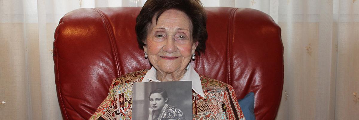 Maricuela es la última miliciana socialista con vida. Tiene 102 años.- XOSÉ MON GONZÁLEZ